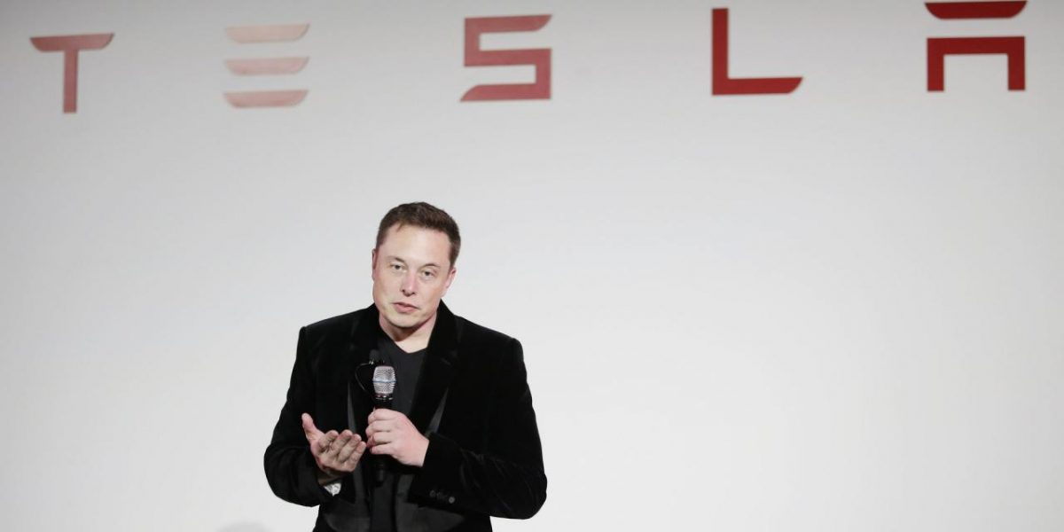 Elon Musk Burns Coal-Mining CEO Who Called Tesla A Fraud | Huffington Post