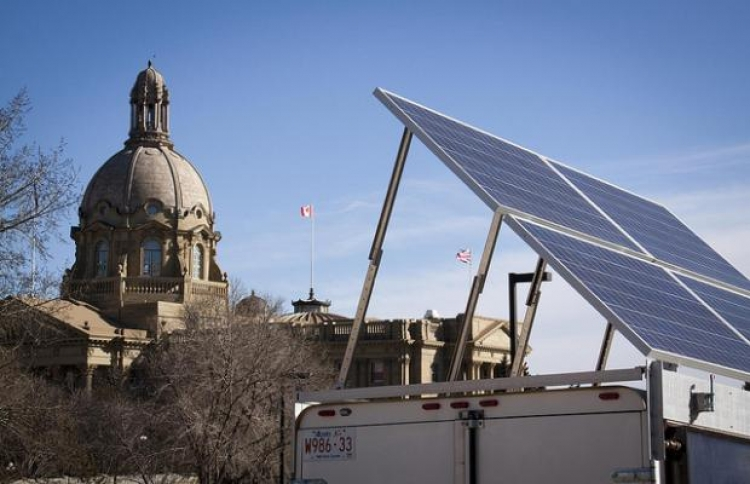 Alberta government investigates 50% solar power proposal